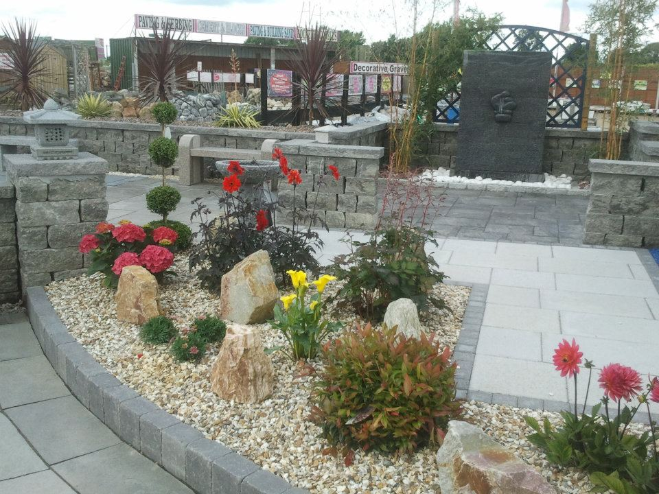 Display Gravel Flowerbed