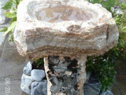 Natural Stone Birdbath (Nacre 73)