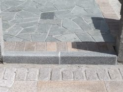 DARK GREY GRANITE KERBS