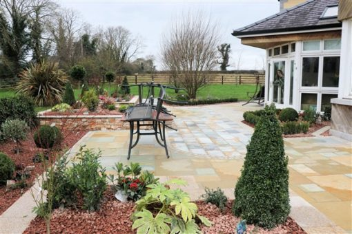 AQUA GOLD AND TUMBLED YELLOW LIMESTONE PAVING PROJECT